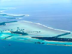 lagoon, archipelago, atoll, beach, cape, sea, ocean, bay, island, wind wave, shore, spit, coast, islet,