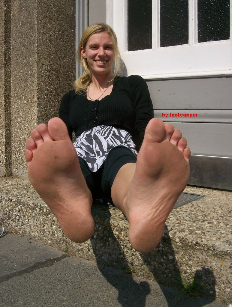 amateur-barefoot-girls-amature-mature-free
