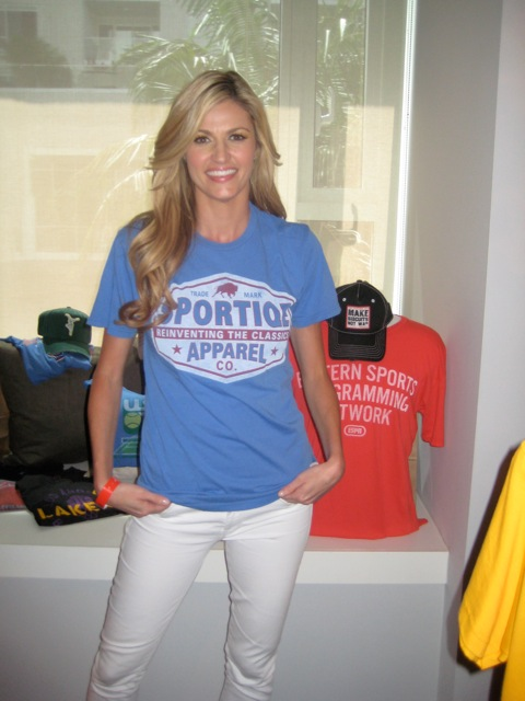 Erin Andrews Clothing Style