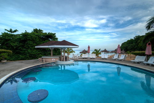 ocean sunset sky beach pool bar view july couples grill jamaica css 2010 ssb ochorios aunaturel couplessanssouci