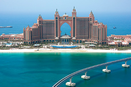 Atlantis in dubai the world 39 s most expensive hotel in the for Top 10 most luxurious hotels in dubai