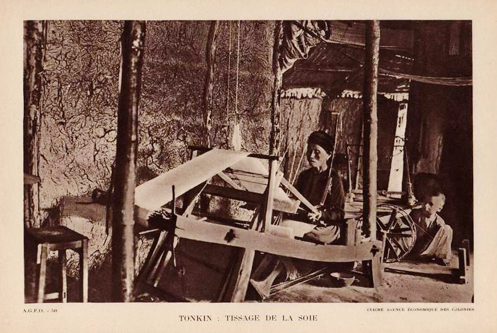 TONKIN - TISSAGE DE LA SOIE (SILK WEAVING)