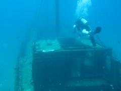 underwater diving, vehicle, sports, sea, recreation, ocean, outdoor recreation, marine biology, scuba diving, water sport, underwater, shipwreck,