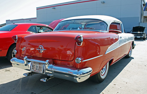 1955 Oldsmobile Super 88 Holiday Coupe (7 of 8)