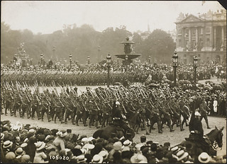 """July 14"" - 1918 - Allied Parade. Paris. Imperial and Colonial ""Tommies"" / Le 14 juillet 1918 - défilé des alliés, Paris. « Tommies » des forces impériales et coloniales"