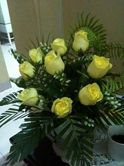 nine yellow roses