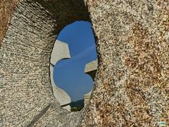 Poio-Monumento a la memoria47