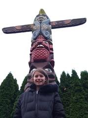 outdoor structure(0.0), monument(0.0), statue(0.0), totem pole(1.0), art(1.0), sculpture(1.0), totem(1.0),