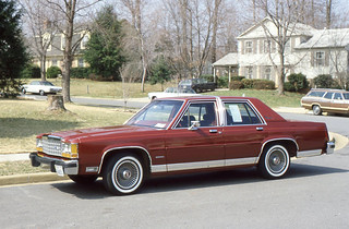 Annandale - Eileen's 1984 Ford Crown Victoria
