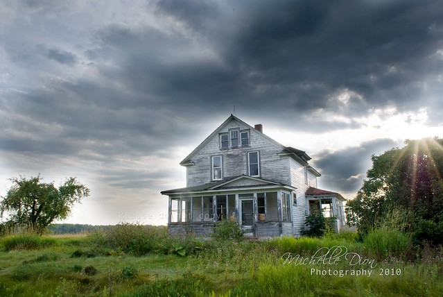 Soo Summer House (Without the power lines) :) | Flickr ...