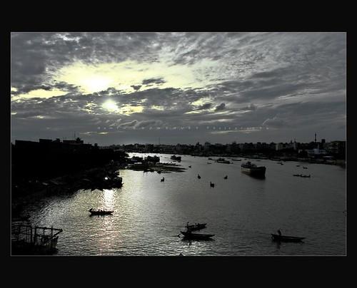 nature sunrise canon river boat twilight everyone dslr bangladesh lens1855 burigonga waterwaysrivercraftsunse