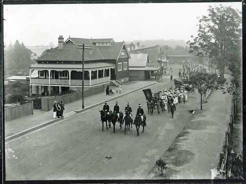 Coo-ee March Entering Springwood, 1915