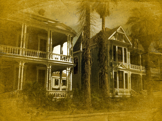Home historic history homes victorian galveston texas tx b for Victorian house facts