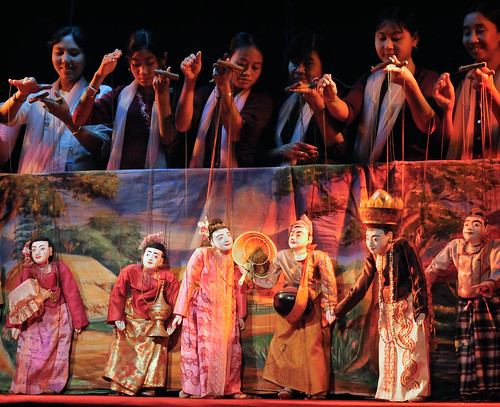 MYANMAR - MANDALAY MARIONETTES