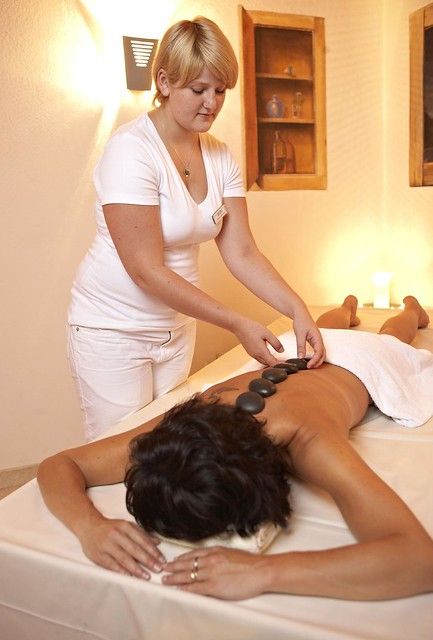 wellness hotel nordtyskland sexy oil massage