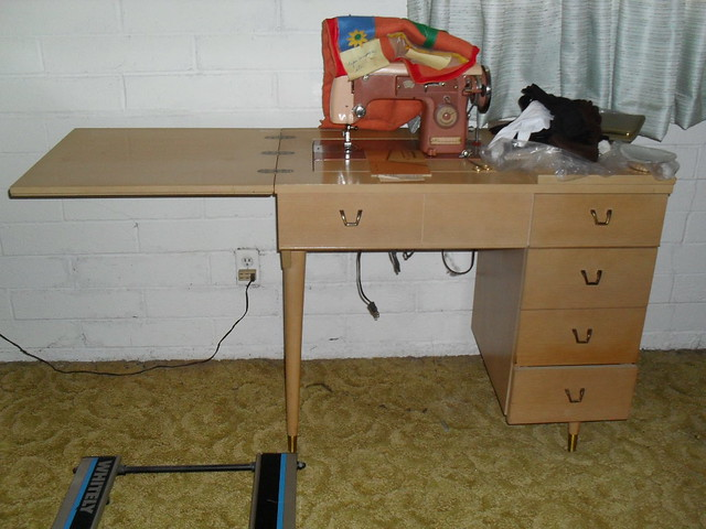 Sears Roebuck Sewing Table With Kenmore Sewing Machine Flickr Photo Sharing