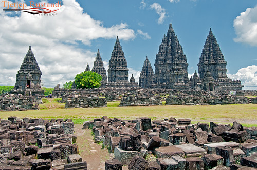 """Prambanan built to honor lord Shiva"""