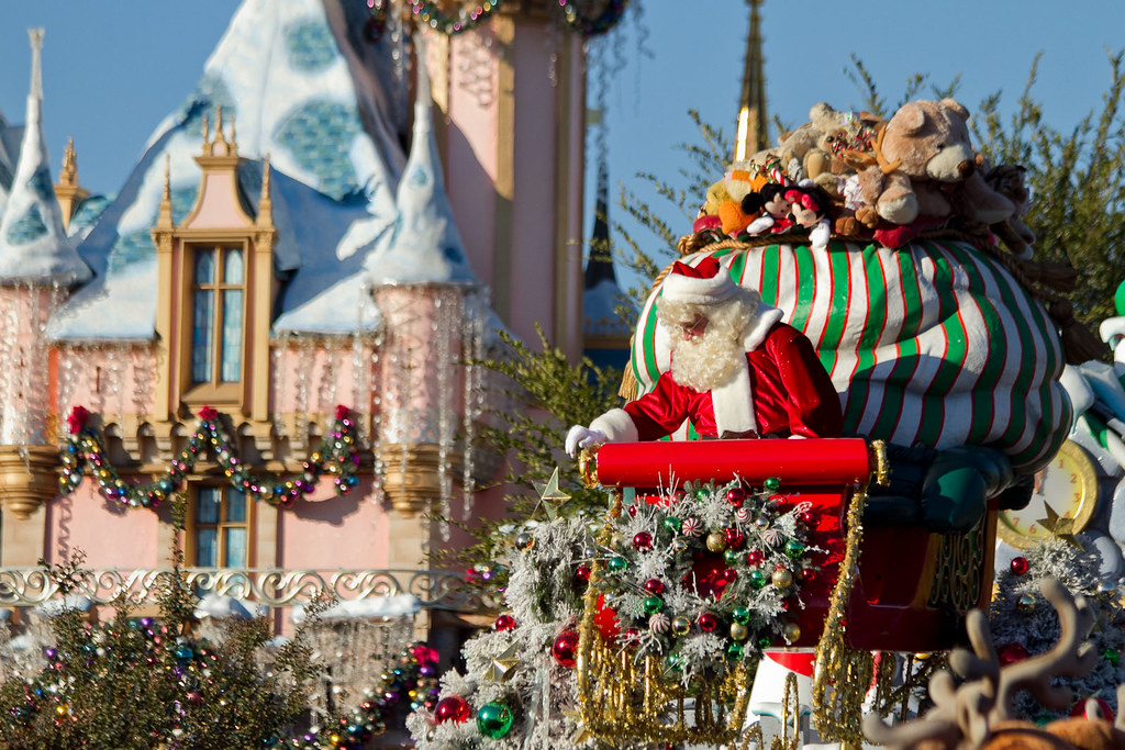 A Christmas Fantasy Parade: Santa Claus