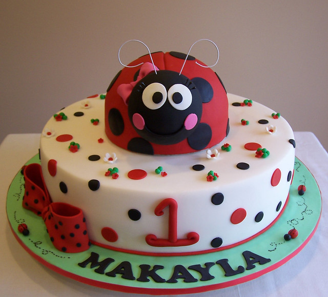 Cake Designs Ladybug : Ladybug Cake Design