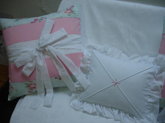 Almofadas coleção quarto de bebê menina flor  Flickr  Photo Sharing!