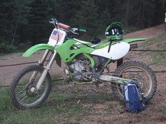 automotive exterior(0.0), freeride(0.0), endurocross(0.0), dirt track racing(0.0), xr-400(0.0), racing(1.0), enduro(1.0), vehicle(1.0), sports(1.0), motorsport(1.0), motorcycle racing(1.0), extreme sport(1.0), supermoto(1.0), motocross(1.0),