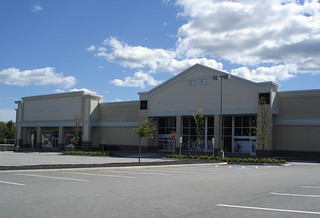 Shops at biddeford crossing zayre88 new england discount store and mall history a for Olive garden fashion square mall