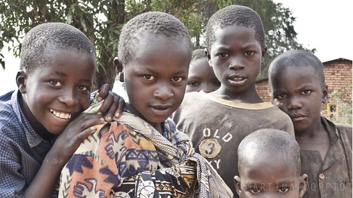 kids tanzania eyes bambini occhi iringa ikondo