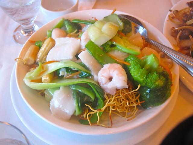 Seafood Chow Mein | Golden Great Wall Szechuan Restaurant