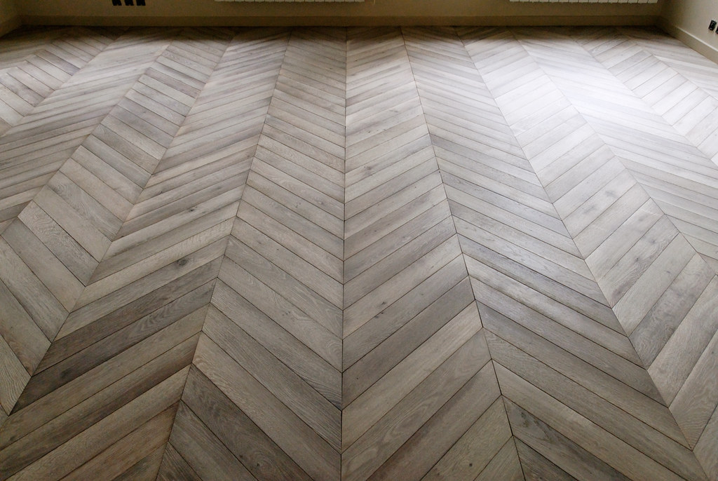 Chevron and herringbone door sixteen for Wood floor herringbone