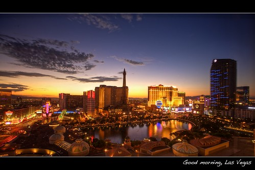 longexposure morning light paris color reflection landscape dawn cityscape lasvegas eiffeltower balloon wideangle strip bellagio planethollywood ballys lasvegasblvd neveda ef1635mmf28liiusm