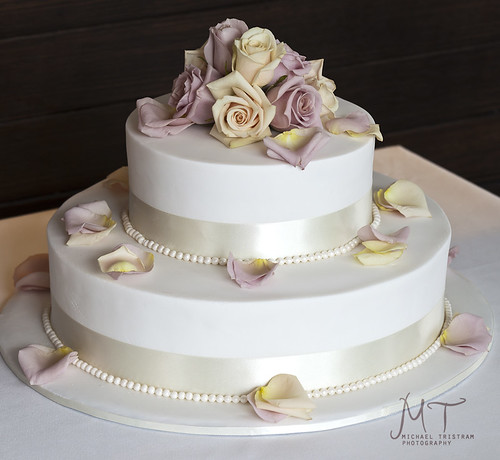 Image by Cakes by Nichole