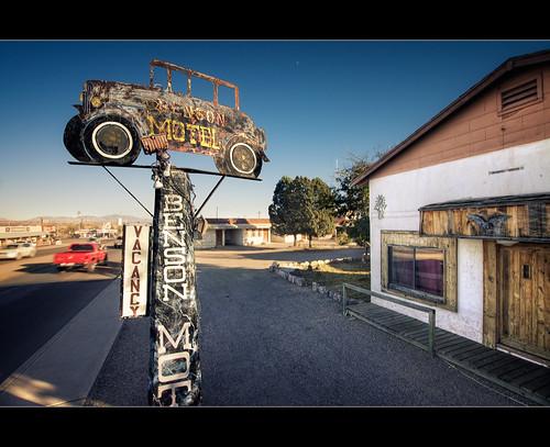 arizona classic sign architecture canon vintage 1930s automobile decay sigma motel landmark lodge nik motor roadside 1020mm benson hdr topaz attachedgarage f35 disintegration photomatix cochisecounty t1i