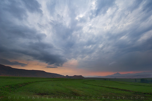 light sky mountains field clouds rural sunrise landscape southafrica dramatic freestate nikkor1424mm jimpattersonphotographycom nikond3s seatosummitworkshops seatosummitworkshopscom