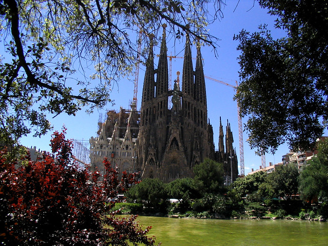 Sagrada Familia by CC user neusitas on Flickr