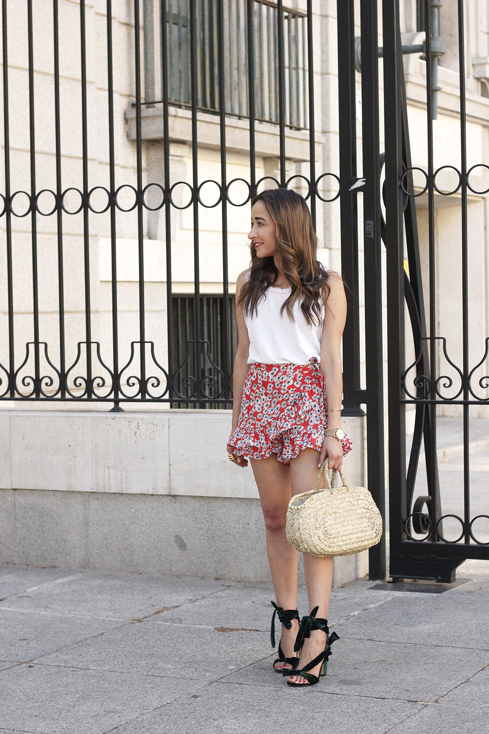 Velvet sandals floral skirt summer outfit style fashion07