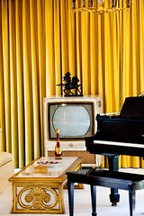 Elvis on the TV, Plate 2
