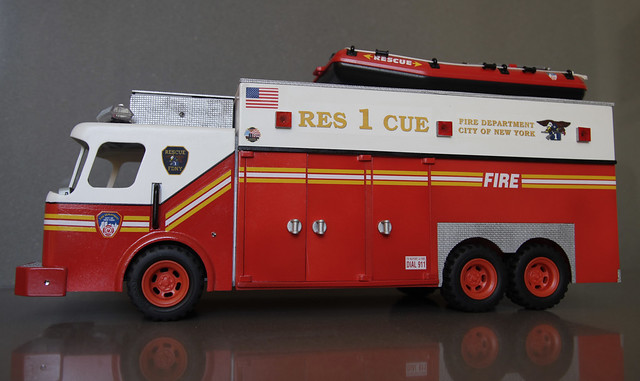 Playmobil FDNY Rescue 1 Truck
