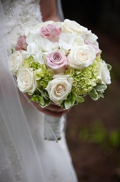 Ortensie Rosa Matrimonio : Bouquet di ortensie e rose