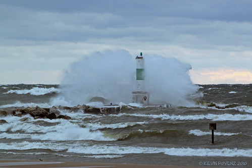 Big waves at Holland Pier