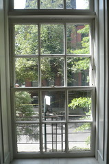 porch(0.0), orangery(0.0), window covering(0.0), interior design(0.0), door(0.0), facade(0.0), daylighting(1.0), window(1.0), sash window(1.0), glass(1.0), home(1.0),