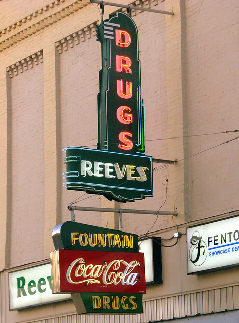 Reeves Drugs / Fountain Coca-Cola Drugs