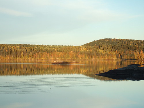 sky cliff lake reflection finland fallcolors autumncolors keuruu pohjoisjärvi