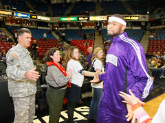 USACE Sacramento District Comander greets Kings player DeMarcus Cousins