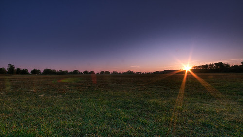 morning sun field grass sunrise nikon astronaut duranduran hdr d90 sigma1020mmf456exdchsm reachupforthesunrisesunrise
