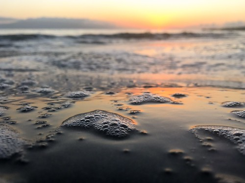 sunset maui hawaii olowalu evening ocean bubbles surf sea foam waves