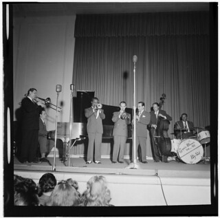 [Portrait of Jack Teagarden, Dick Carey, Louis Armstrong, Bobby Hackett, Peanuts Hucko, Bob Haggart, and Sid Catlett, Town Hall, New York, N.Y., ca. July 1947] (LOC)