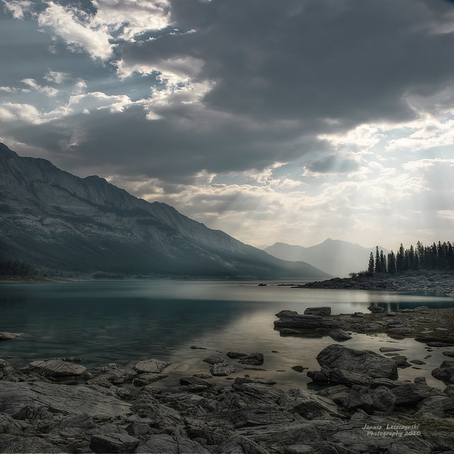 Medicine Lake , Jasper National Park