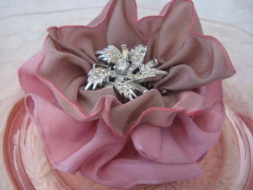 pink french wire ribbon pin