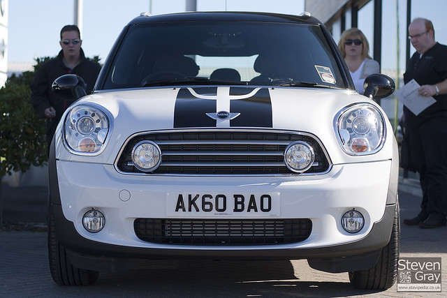 Road Cars Bmw Mini Countryman Cooper D While With