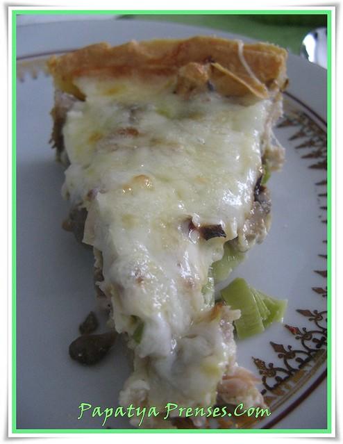 pırasalı tavuklu mantarlı kiş (1)